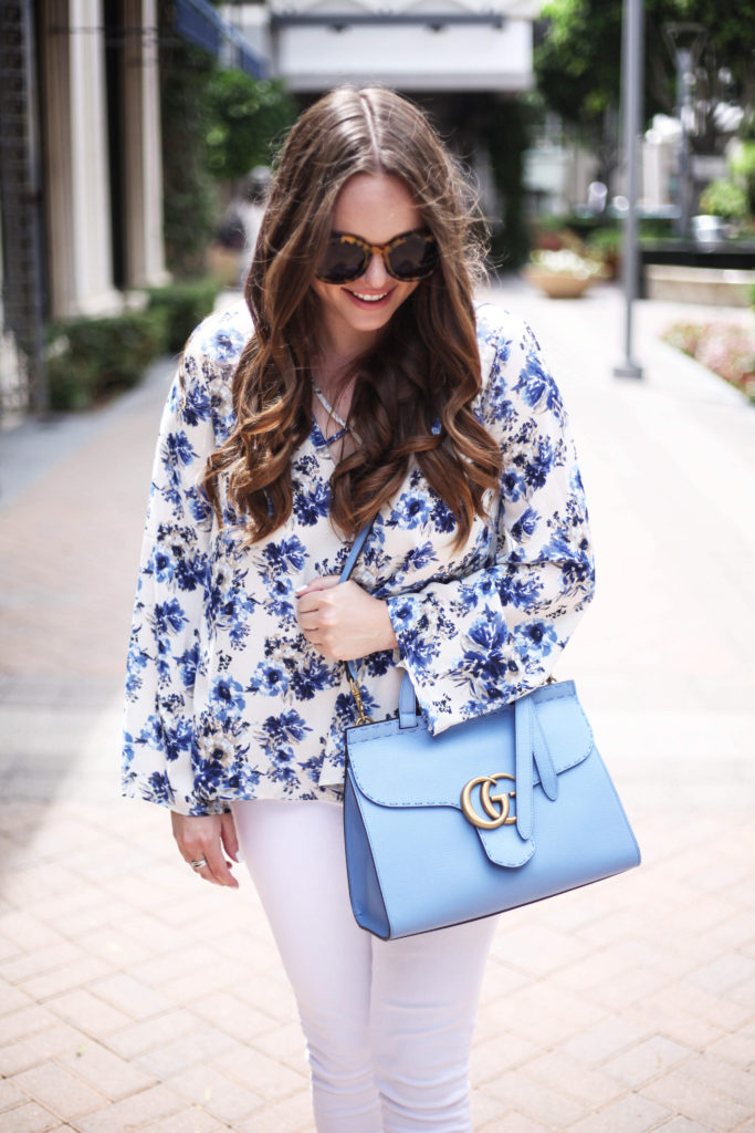 Fashion Blogger - Pops of Blue